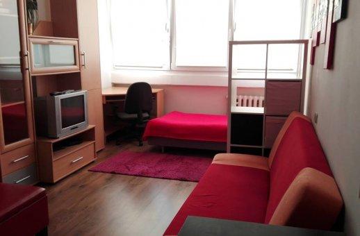 Zdjęcie do ogłoszenia Dwa miejsca w dwuosobowym pokoju dla studentek.