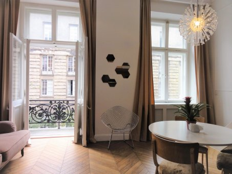 Zdjęcie do ogłoszenia Ekskluzywne mieszkanie w samym sercu Warszawy